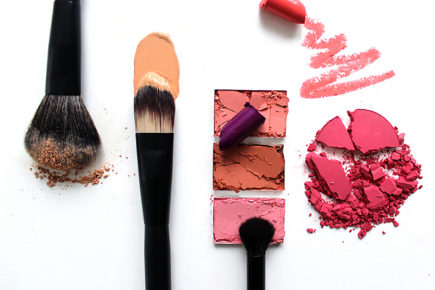 Crumbled Makeup with Pirouette Brushes